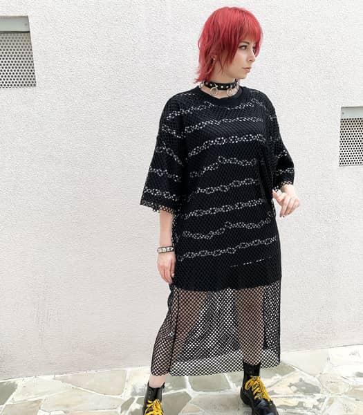 メッシュワンピ&チェーンTシャツ