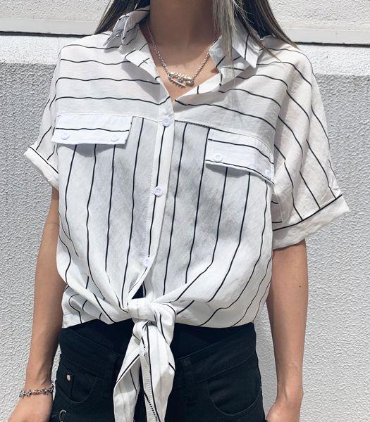 前結びシャツ